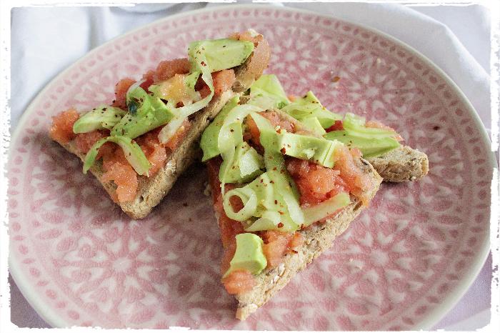 Avocado toast Deluxe