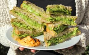 avocado crème sanwich