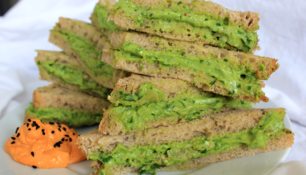 Avocado creme sandwich