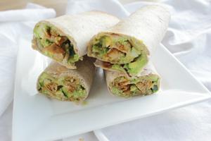 Hummus avocado rolls