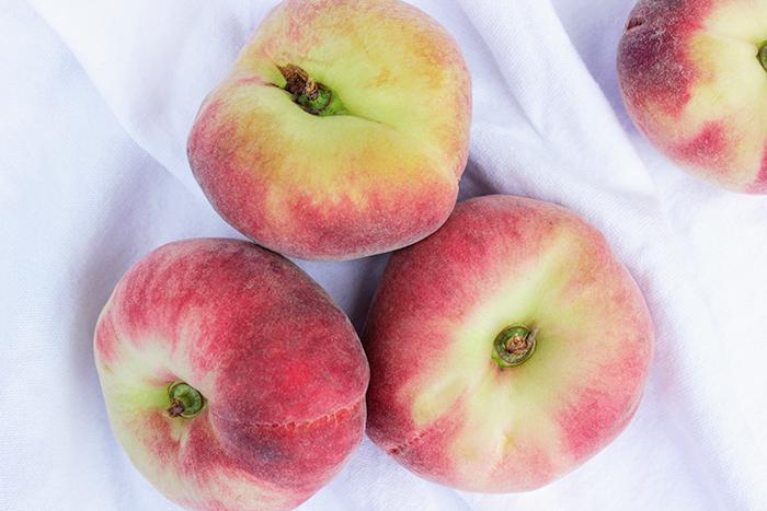 fruit - wilde perziken