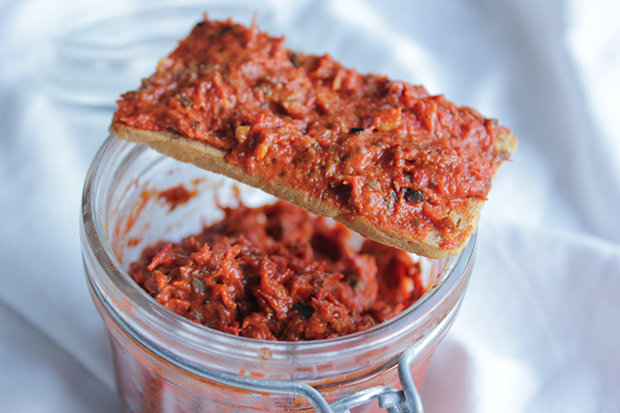 Paprika tomatenpesto