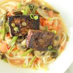 Bamisoep met miso en Tofu Kala Namak