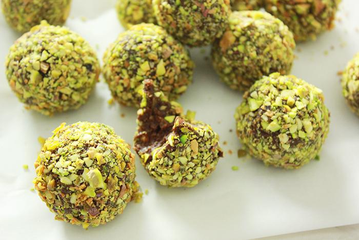 Choco bliss balls met pistache