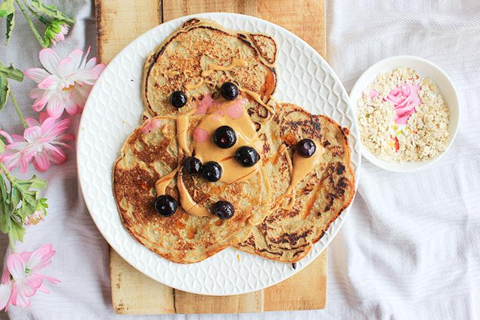 Vegan ontbijt pannenkoekjes van havermout