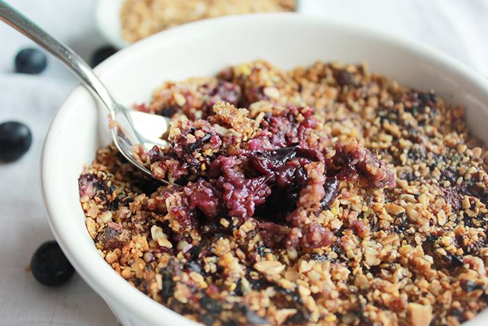 Makkelijke vegan crumble ontbijt