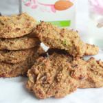Suikervrije koekjes met gedroogde abrikoos en pistache