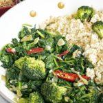 een makkelijk recept voor spinazie wok. Gezond en vol smaak