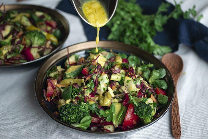 Heerlijke kidneybonen salade met groenten en mosterddressing